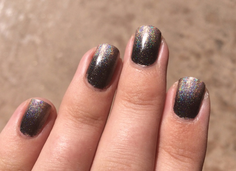Argh soooo hard to get a good photo of the holo/sparkles! It's much more in-your-face in person.